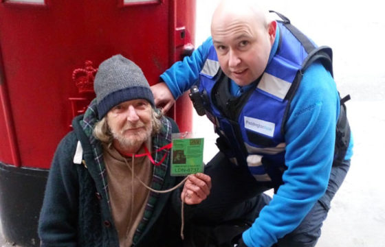 Community Safety Team Help Recruit Big Issue Vendor